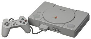 PlayStation-SCPH-1000-with-Controller aangepast