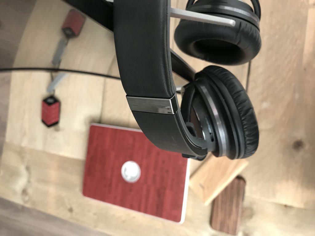 headset haak agon ag322qcx scherm